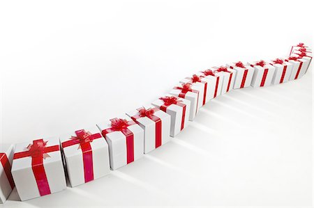 present wrapped close up - Long row of red and white gift boxes Stock Photo - Premium Royalty-Free, Code: 618-07524143