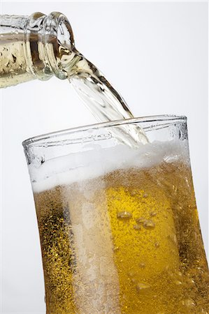 pouring - Iced cool beer Stock Photo - Premium Royalty-Free, Code: 618-07612480