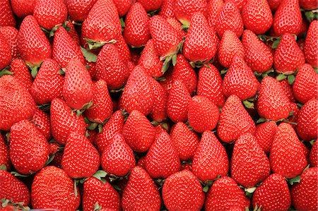strawberries - Strawberry Stock Photo - Premium Royalty-Free, Code: 618-08174250