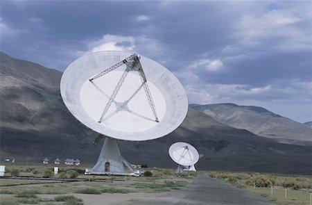 radio telescope - 27 meter radio telescopes, Owens Valley, CA, USA Stock Photo - Premium Royalty-Free, Code: 618-01439158