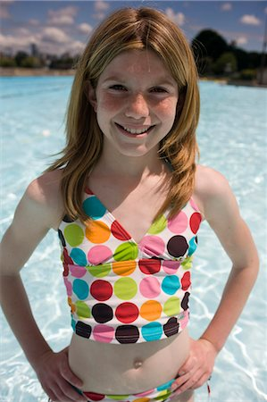 Kids in the Pool Stock Photo - Premium Royalty-Free, Code: 618-03571920