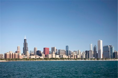 Chicago city skyline with Lake Michigan Stock Photo - Premium Royalty-Free, Code: 618-03609801