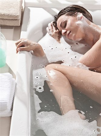 Woman relaxing in bath Stock Photo - Premium Royalty-Free, Code: 618-03633077