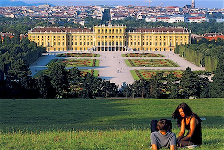 Austria, Vienna, Schönbrunn Palace and gardens Stock Photo - Premium Royalty-Free, Code: 610-02373733