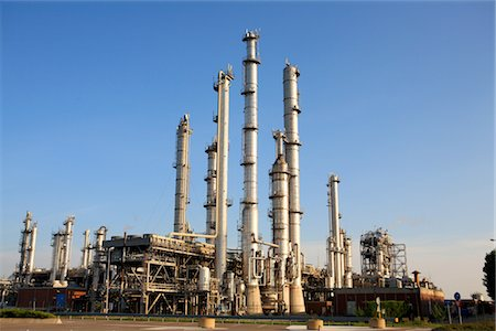refinery - The Netherlands, South Holland, Rotterdam, oil refinery Stock Photo - Premium Royalty-Free, Code: 610-03504414