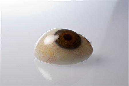 An artificial eye. Stock Photo - Premium Royalty-Free, Code: 6102-03904349