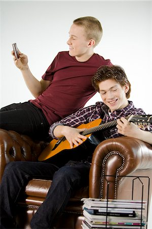 Two teenagers hanging out. Stock Photo - Premium Royalty-Free, Code: 6102-03904657