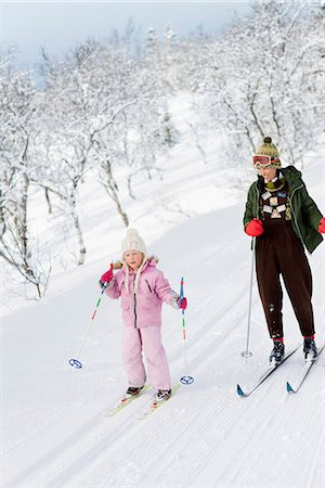 Mother and daughter skiing, Sweden. Stock Photo - Premium Royalty-Free, Code: 6102-03905129