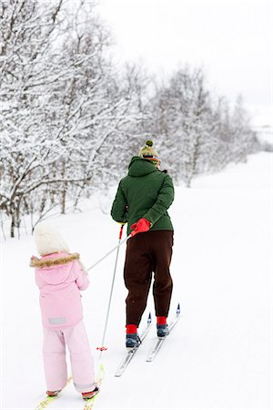 Mother and daughter skiing, Sweden. Stock Photo - Premium Royalty-Free, Code: 6102-03905130
