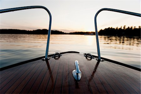 forward - View of river and hills from deck of boat Stock Photo - Premium Royalty-Free, Code: 6102-03905733
