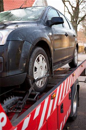 Car prepared to get towed Stock Photo - Premium Royalty-Free, Code: 6102-06336578