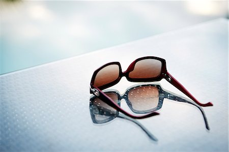 dark glasses - Close-up of sunglasses Stock Photo - Premium Royalty-Free, Code: 6102-07158375