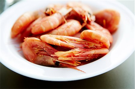 smoked - Shrimps in bowl Stock Photo - Premium Royalty-Free, Code: 6102-07455807