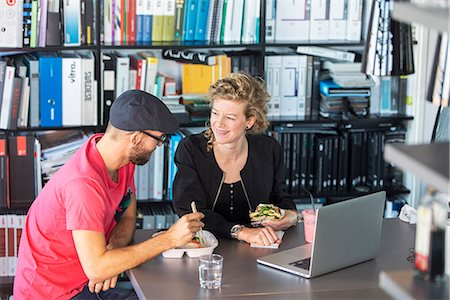 picture - Colleagues having lunch break Stock Photo - Premium Royalty-Free, Code: 6102-07789690