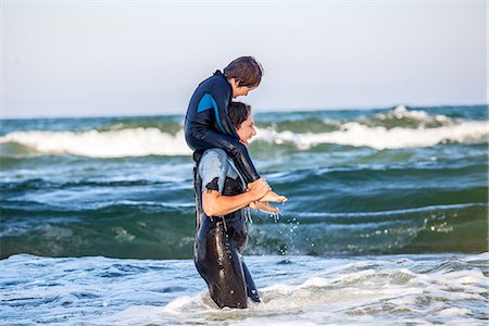 Mother with son at sea Stock Photo - Premium Royalty-Free, Code: 6102-07844036