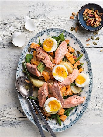 fresh - Meat dish with eggs Stock Photo - Premium Royalty-Free, Code: 6102-08062905