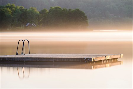 fog (weather) - Jetty with ladder Stock Photo - Premium Royalty-Free, Code: 6102-08000483