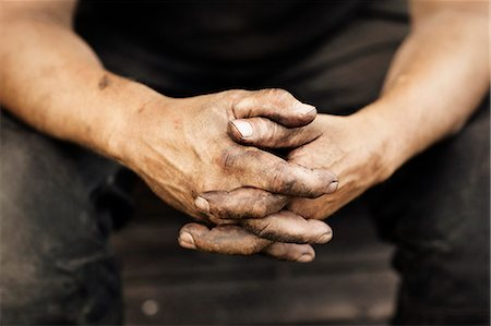 dirty - Close-up of mans hands Stock Photo - Premium Royalty-Free, Code: 6102-08000650