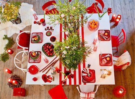 setting kitchen table - Christmas table Stock Photo - Premium Royalty-Free, Code: 6102-08001277