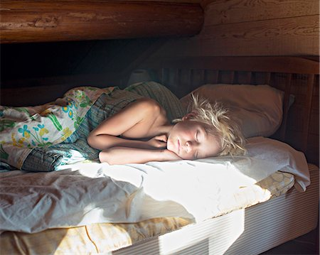 Girl sleeping Stock Photo - Premium Royalty-Free, Code: 6102-08001463