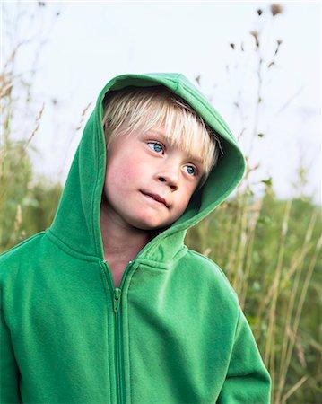 Boy looking away Stock Photo - Premium Royalty-Free, Code: 6102-08001472