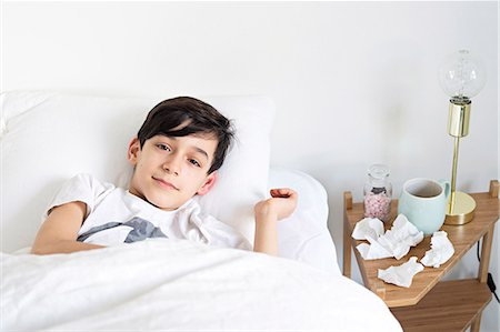 Ill in bed Stock Photo - Premium Royalty-Free, Code: 6102-08168912
