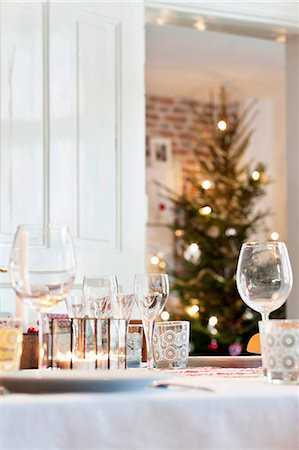 setting kitchen table - Table set for Christmas meal Stock Photo - Premium Royalty-Free, Code: 6102-08481264