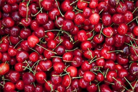 cherries for sale in Split market Stock Photo - Premium Royalty-Free, Code: 6106-05393665