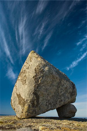 solid - Canada, Nova Scotia, boulder balanced on stone Stock Photo - Premium Royalty-Free, Code: 6106-05462819