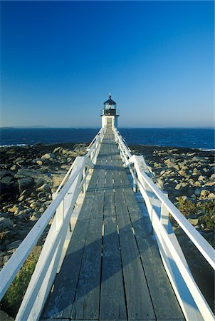 Causeway to Marshall Point Lighthouse on Port Clyde, ME Stock Photo - Premium Royalty-Free, Code: 6106-05472299