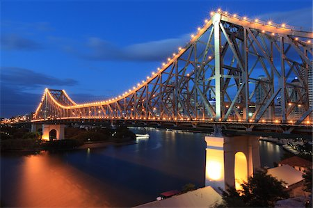 queensland - Story Bridge, Brisbane, Australia Stock Photo - Premium Royalty-Free, Code: 6106-05402668