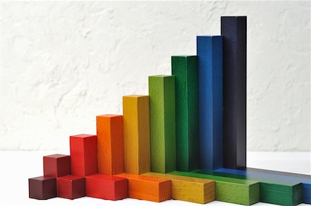 The graph made by the building block Stock Photo - Premium Royalty-Free, Code: 6106-05404477