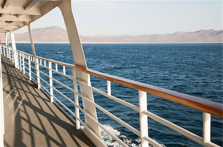 View from a cruise ship deck Stock Photo - Premium Royalty-Free, Code: 6106-05405198