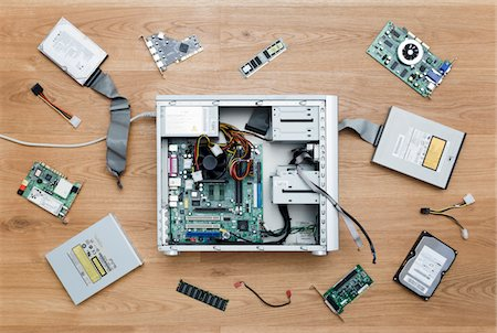 Disassembled computer Stock Photo - Premium Royalty-Free, Code: 6106-05406344