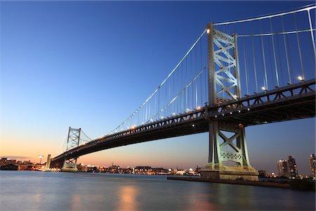 Benjamin Franklin Bridge, Philadelphia, PA Stock Photo - Premium Royalty-Free, Code: 6106-05408526