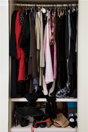 view of an untidy female wardrobe Stock Photo - Premium Royalty-Free, Code: 6106-05410369