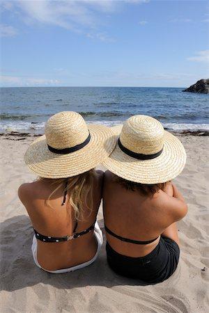 Beach life Stock Photo - Premium Royalty-Free, Code: 6106-05435490
