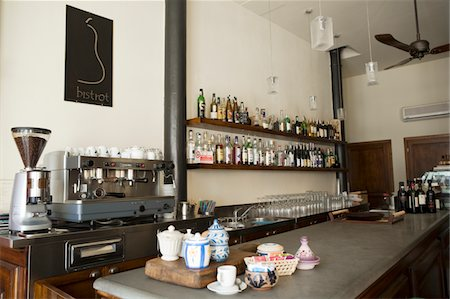 european cafe bar - Counter of Italian bistro Stock Photo - Premium Royalty-Free, Code: 6106-05509629