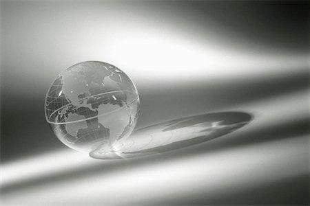 Clear globe (B&W) Stock Photo - Premium Royalty-Free, Code: 6106-05538556