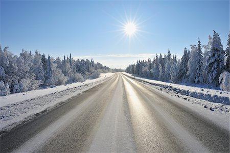 Road in winter Stock Photo - Premium Royalty-Free, Code: 6106-05787999