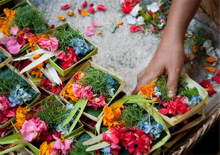 basket filled with floral prayer offerings, Bali Stock Photo - Premium Royalty-Free, Code: 6106-05810665