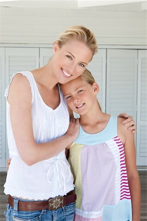 Portrait Of Mother And Daughter Stock Photo - Premium Royalty-Free, Code: 6106-05951498