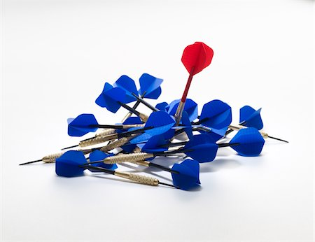 Blue and red darts Stock Photo - Premium Royalty-Free, Code: 6106-05951837