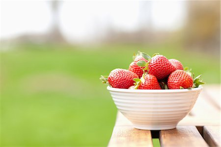 strawberries - A Bowl of Stawberries Stock Photo - Premium Royalty-Free, Code: 6106-06165786