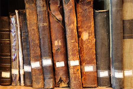Old books in library Stock Photo - Premium Royalty-Free, Code: 6106-06114090
