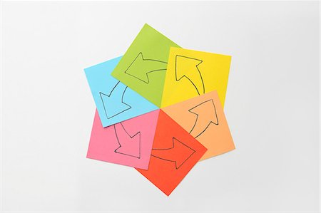 self adhesive note - That the arrow drawn on paper Stock Photo - Premium Royalty-Free, Code: 6106-06308197