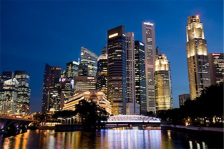 Singapore City CBD at dusk Stock Photo - Premium Royalty-Free, Code: 6106-06335845