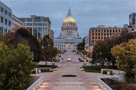 Wisconsin State Capitol Building Stock Photo - Premium Royalty-Free, Code: 6106-06497156