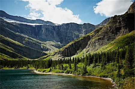 Bullhead Lake in Glacier National Park Stock Photo - Premium Royalty-Free, Code: 6106-06497553
