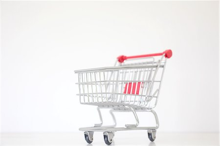 Shopping Trolly Stock Photo - Premium Royalty-Free, Code: 6106-06402001